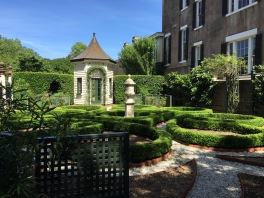 Charleston, South Carolina, gardens...ahhhh.